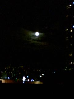 いつもより大きな月